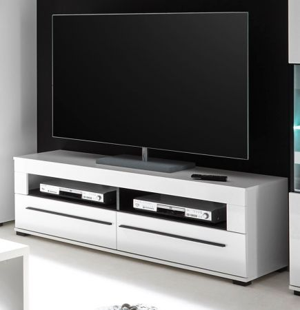 TV-Lowboard Design-D in Hochglanz weiss 140 x 47 cm